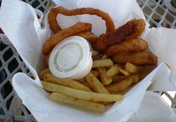 "Frings at Burger King  Did you know that if you order ""Frings"" at Burger King, you'll get a split order of fries and onion rings? Talk abo..."