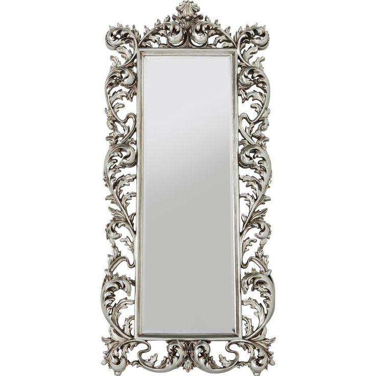 En unik och stor spegel med vacker silverram i barock stil och fasettslipat spegelglas. Bilden på den ovala lampan visar den fina finishen och ramens dekorat...