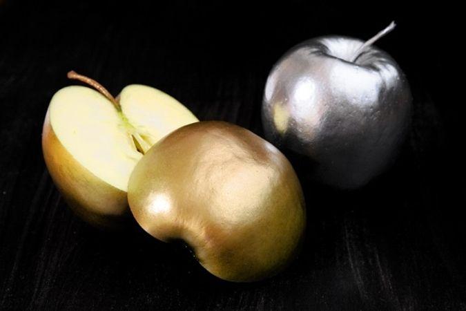 Apples covered with edible color!/  Mit essbarer Farbe überzogene Äpfel - was für eine tolle Idee zu dekorieren!