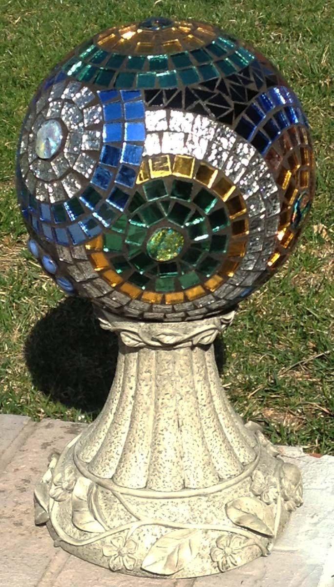 Gazing ball stained glass mosaic flower garden for Mosaic designs garden