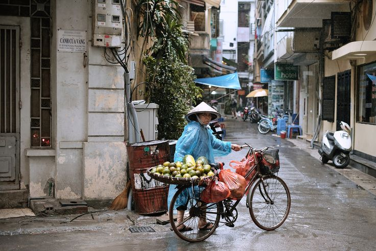 Hanoi, Vietnam www.oscarsaunders.photo
