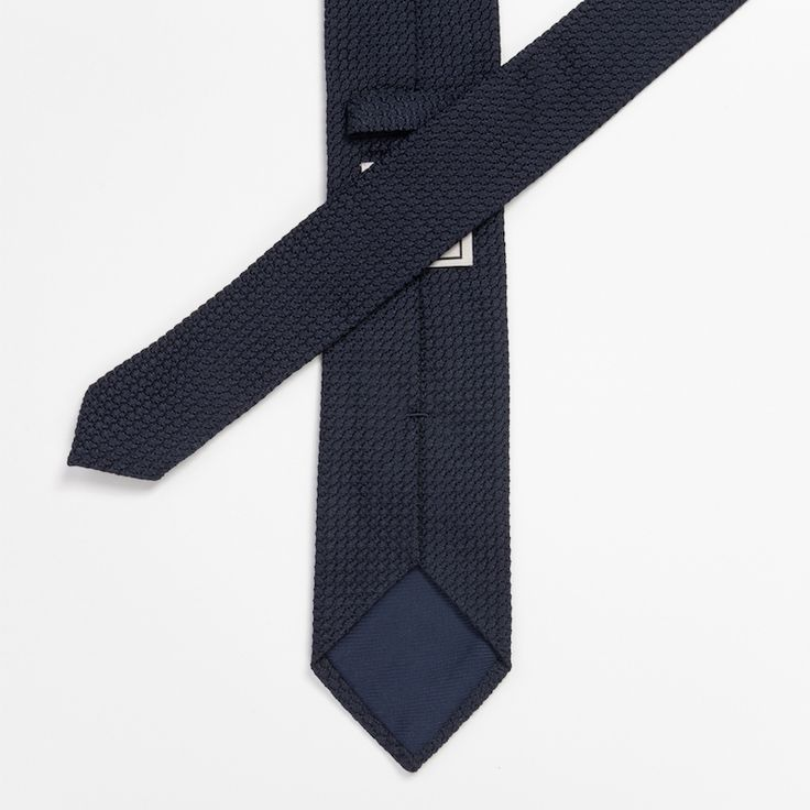 #cravate #blue #bleu #grenadine #madeinfrance #madeinitaly #luxe #menswear #mensfashion #atelierparticulier