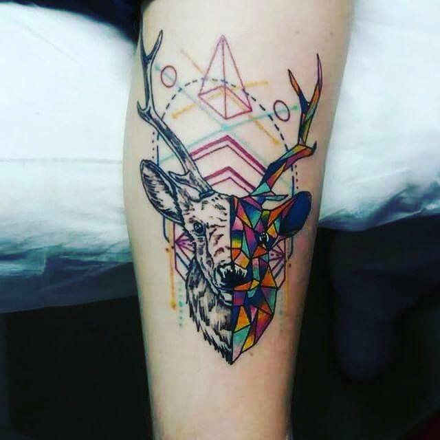 Olhem a tatuagem do @thallesriquette #deertatoo #tatuagemdeveado #Pride #GayPride #Jampa #JoãoPessoa #PB #LGBT #LGBTPride #InstaPride #Instagay #Color #Travesti #Transexual #Dragqueen #Instadrag #Aligagay #Sitegay #SiteLGBT #Love #Gaylove