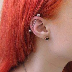 Индастриал и пирсинг мочки уха