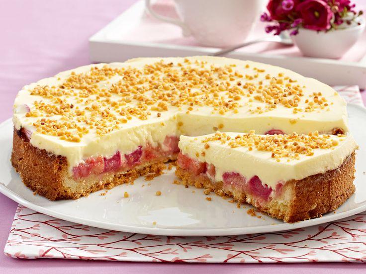 Creme-Kuchen mit Rhabarber