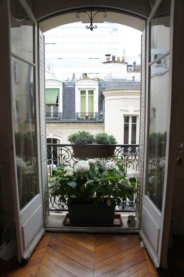 Balcony french doors - Paris