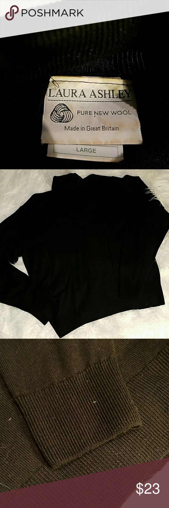 Laura Ashley Wool turtleneck size Large  Pure new wool made in Great Britain  ribbed turtleneck ribbed at bottom and at arms Laura Ashley Sweaters Cowl & Turtlenecks