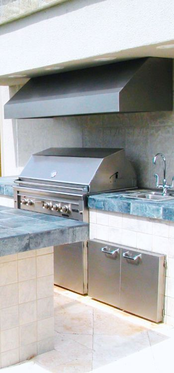 Outdoor Bbq Range Hood In A Beautiful Outdoor Kitchen