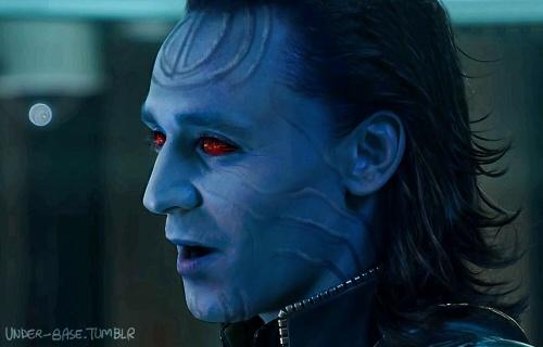 Loki: Loki Tom Avengers, Tom Hiddleston Loki, Loki Fan Art, Avengers Hiddleson, Avengers Marvel, Giant Loki, Jotun Loki, Loki Tom Hiddleston, Photo