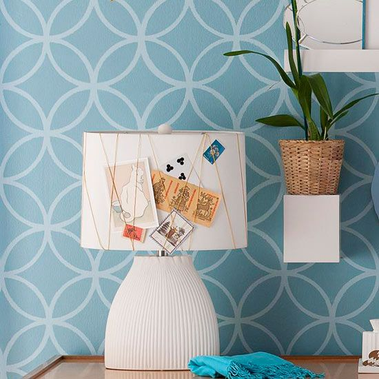 Transform a lamp into a display area using twine.Wall Pattern, Decor Ideas, Lampshades, Apartments Ideas, Lamps Shades, Mood Boards, Colleges Apartments Decor, Decorating Ideas, Bulletin Boards