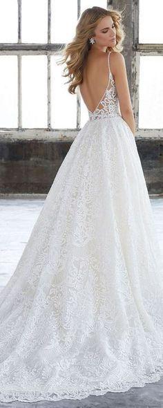 Gorgeous Long White Wedding Dresses Spaghetti Strap Wedding Dresses V-neck Wedding Gown