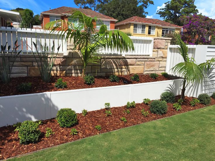 VogueWall Aluminium planter box retaining wall