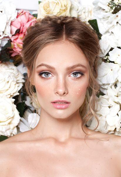 Labios nude y mirada profunda. Impactante maquillaje de una novia triunfal. #BarcelóWeddings // Nude lips and deep glance. Shocking make up for a triumphal bride. #BarcelóWeddings