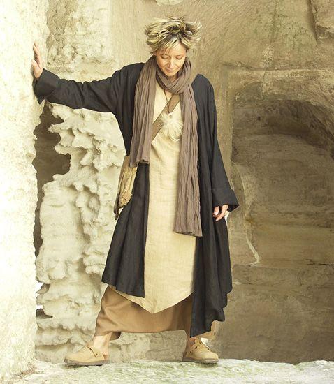 Asymmetrical black linen coat for women -:- AMALTHEE -:- n° 3070