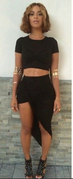 jewels beyonce beyonce fashion top two-piece heels curly hair skirt shirt black gold african american belly piercing instagram beyhive bob two piece dress set jewelry flawless ***flawless pretty sweater