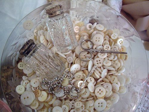 .: Pearl, Idea, Salt Shakers, Mother, Buttons Buttons, Vintage, Antique