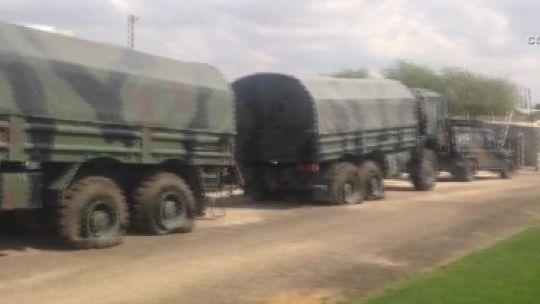 Füze rampalarına polis engeli Polatlı 58'inci Topçu Tugay Komutanlığı'ndan Ankara'ya gitmek üzere olan füze rampaları ve 20 kamyonun bulunduğu askeri konvoy polis tarafından durduruldu. Darbecilerle polisler arasında yaşanan çatışmada can kaybı yaşanmazken kamyonların tekerlerini kurşunlayan polisler, konvoyun gitmesini engelledi.