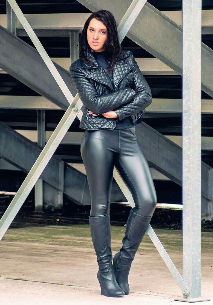 b0839d87bfd Lederlady ❤ | mooie vrouwen in leer in 2019 - Leder leggings, Leder en  schwarzes Leder