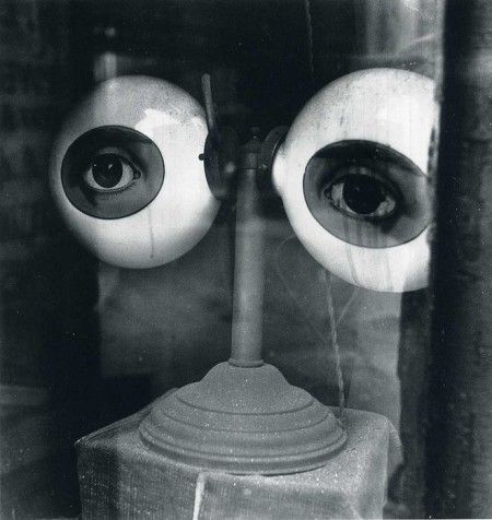 Irving Penn :: Optician's Window :: New York :: 1939