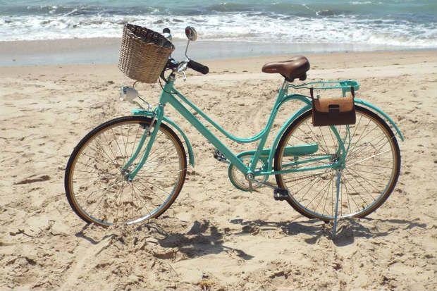 As cestinhas dianteiras devem se ajustar ao tamanho do guidão da bike para não atrapalhar a visão de quem está pedalando. Foto: Divulgação.