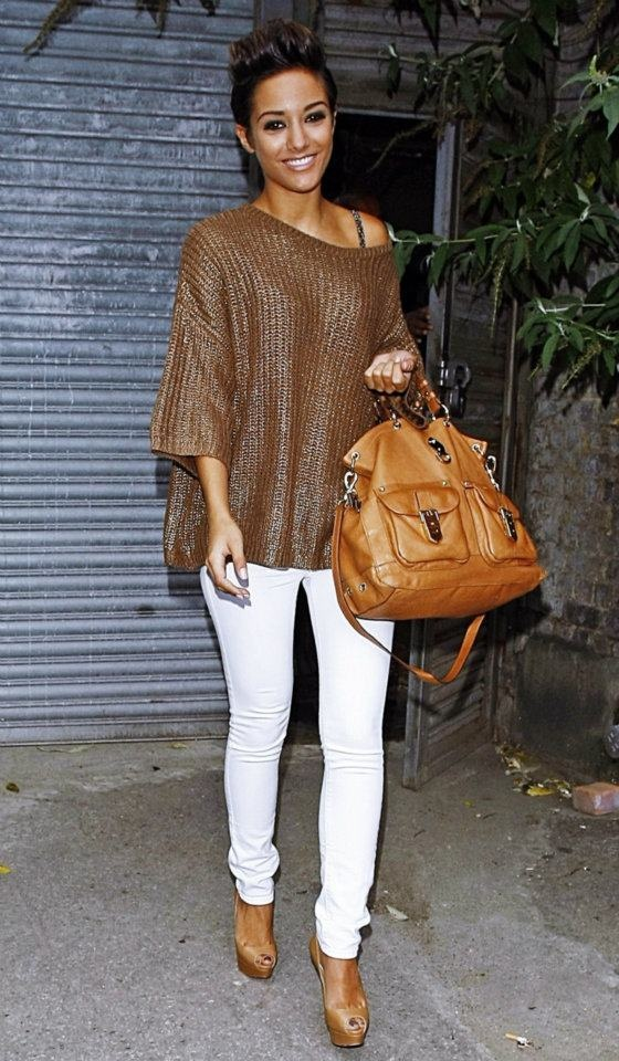 Brown over-sized sweater, white skinny jeans and Camel-colored bag