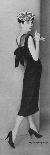 1956 Vestido ceñido con un gran lazo