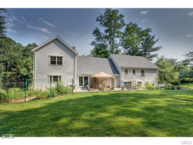 220 BURR STREET FAIRFIELD CT 06824 : Fairfield County CT Real Estate : Denise Walsh & Partners
