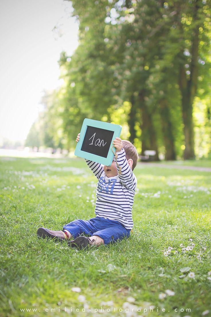 Séance enfant 1 an #anniversaire # enfant http://www.facebook.com/emilie.d.photographe