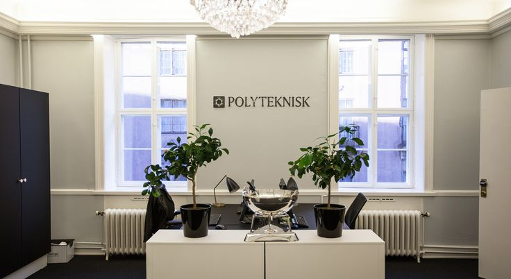 Furnitures for office delivered by GrapeDesign at Polyteknisk in Oslo Desk, skrivebord, office chairs, skrivebords stole
