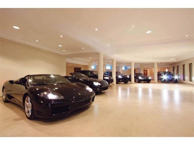 Perfect Big Indoor Garage.