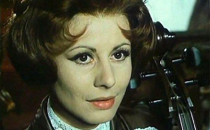 Říkali jí česká Sophia Loren a chlapy musela odhánět. Jenže tak dlouho vybírala, až přebrala. Tajnosti slavných