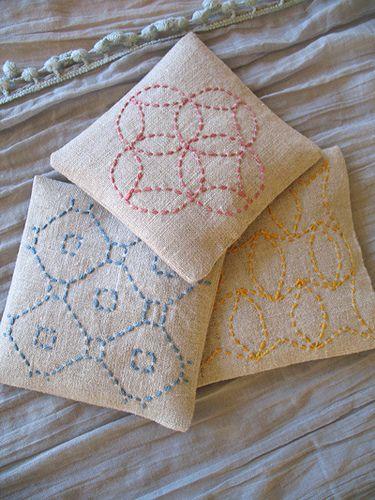 Sashiko embroidery (linen sachets by Bonnie @Blue Peninsula) #sashiko