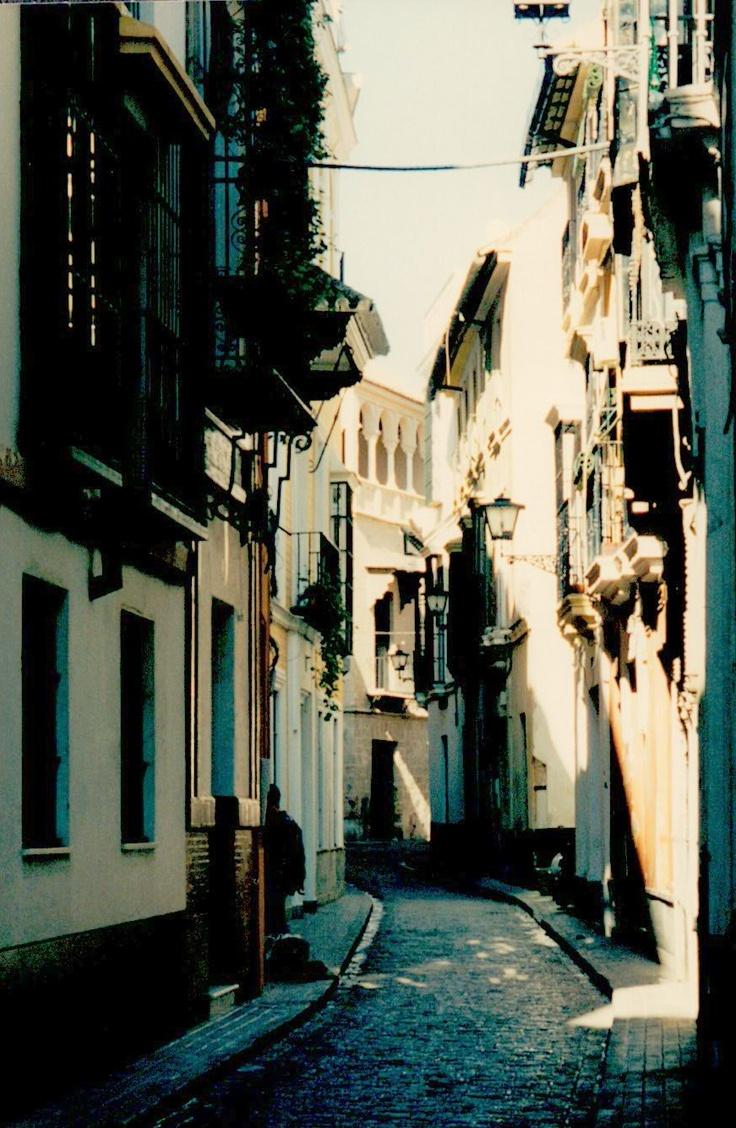 Seville, Spain's narrow streets
