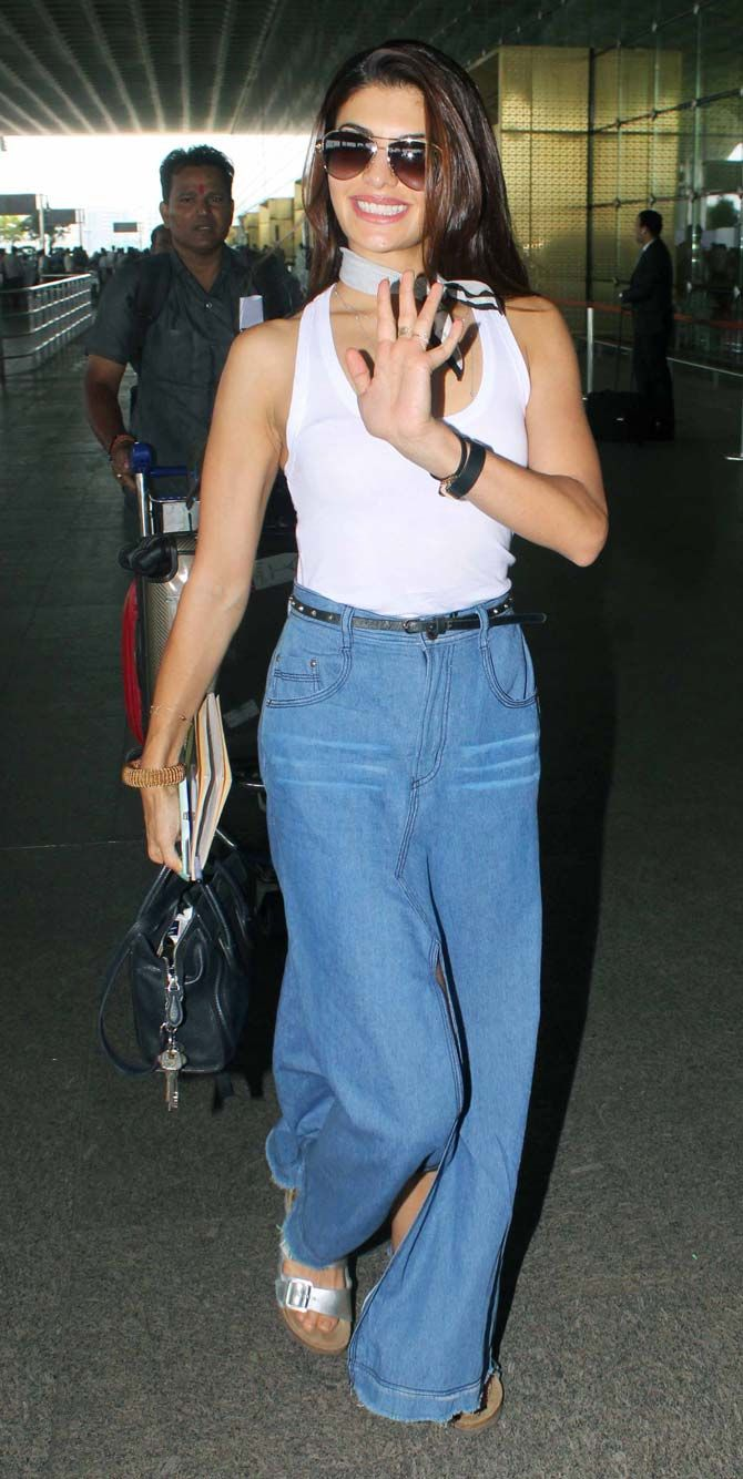 Jacqueline Fernandez at the Mumbai airport. #Bollywood #Fashion #Style #Beauty #Hot #Sexy