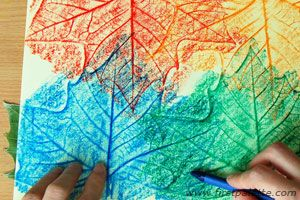 {leaf rubbings craft #howto} real leaves + thin paper + crayons or oil pastels. *aps: another leaf craft that you can customize with your own colors. for a kid project, i'd avoid the oil pastels and stick with crayons, because oil = harder-to-remove stains. #deercamp