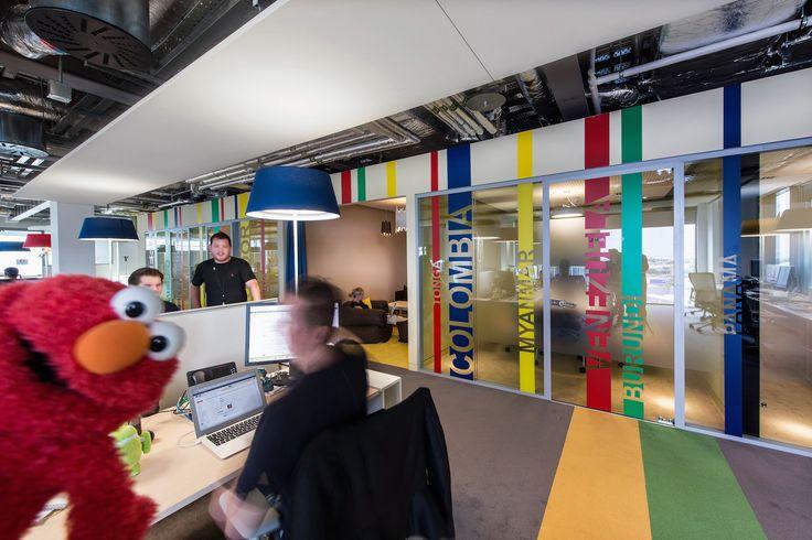 Google Campus Dublin | Google Docks - Office Space - Floor Identity: Unite #GoogleDublin, #Office, #WallGraphics