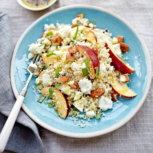 Couscous met nectarine, amandel en feta recept - Jamie magazine
