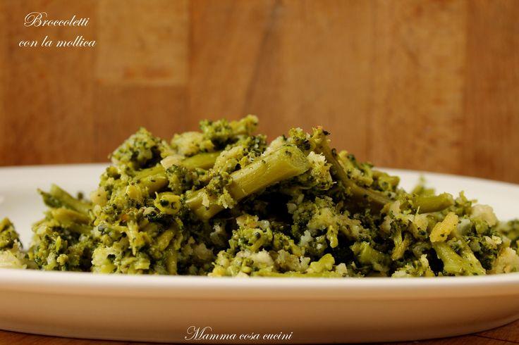 Broccoletti con la mollica, ricetta vegetariana per un ottimo contorno, faciele e veloce da realizzare, questa ricetta si presta ad essere variata secondo..