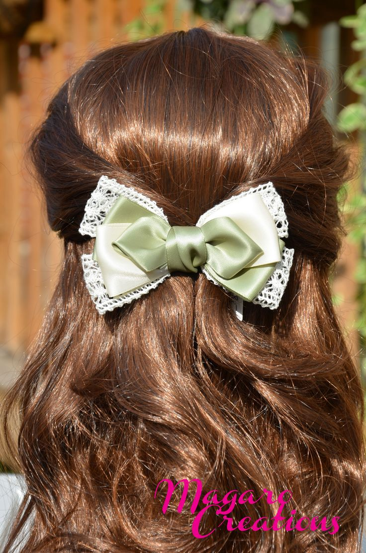 Green and ivory hair clip, simple yet elegant!