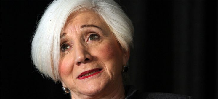 Olympia Dukakis: As an Impresario and cinema actress from the 60s, she began her theatrical career in Boston in 1958 and made her film debut in Robert Rossen's film, Lilith in 1963. - See more at http://www.ellines.com/en/famous-greeks/781-toso-tsapatsoulika-einai-ta-ellinika-mou-pou-ntropizomai/ Copyright © Ellines.com