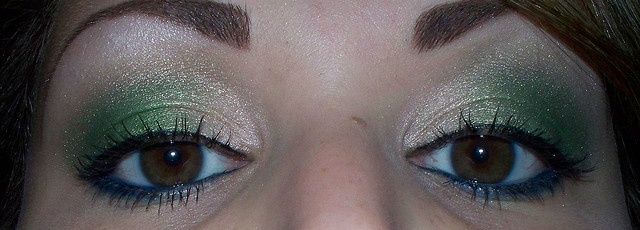 blue green look eyeshadow makeup