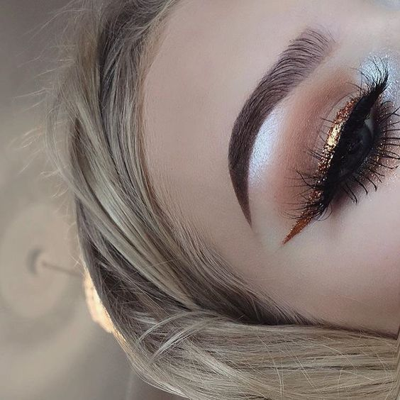 How to Master Winged Eyeliner Like a Pro - https://www.luxury.guugles.com/how-to-master-winged-eyeliner-like-a-pro-11/