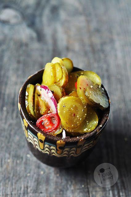 Kardamonovy: Sałatka z ogórków konserwowych, cebuli i chili