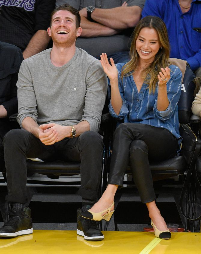Jamie Chung and husband Bryan Greenberg take their date night court-side at a basketball game between the New York Knicks and the Los Angeles Lakers on Sunday in L.A. Star Tracks: Monday, Dec. 12, 2016