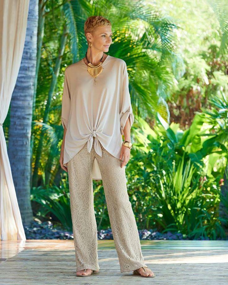 PALAZZOS DE CHICO´S EN ESTA PRIMAVERA VERANO 2015 Hola Chicas!!! Están buscando algo cómodo y a la vez elegante para esta temporada de primavera-verano 2015, en esta ocasion les tengo palazzos que con una blusa y accesorios, realmente te veras casual pero elegante, les dejo una galeria de Chico´s, que realmente me encanta su ropa y accesorios, ademas es ropa adecuada para mujer de 40´s y 50´s con los lucirán hermosas y listas para cualquier ocasion. http://www.chicos.com