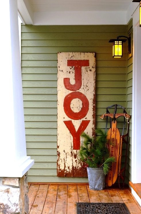 A simple idea to turn something old and used into a Christmas decoration!!