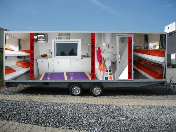 Type 33.  Beboelsesvogn med 2 soverum, køkken, toilet og bad.