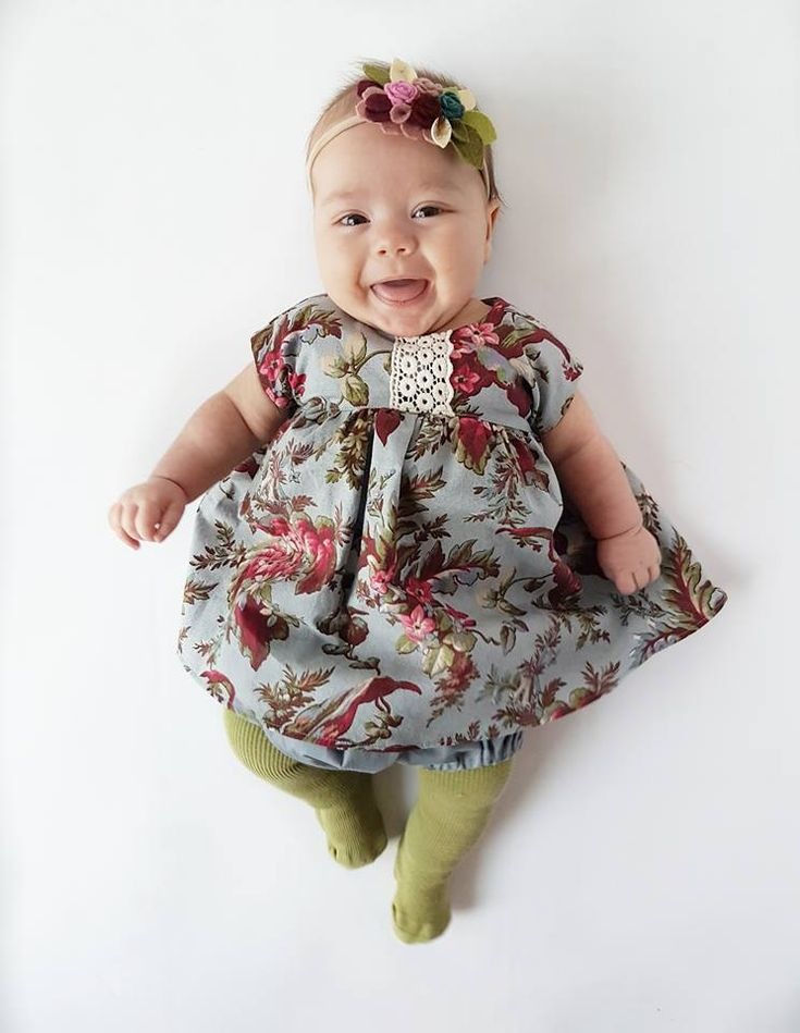 Vintage coloured hand dyed tights! We offer a variety of sizes from 0-6 months to 5T! All tights are hand dyed!