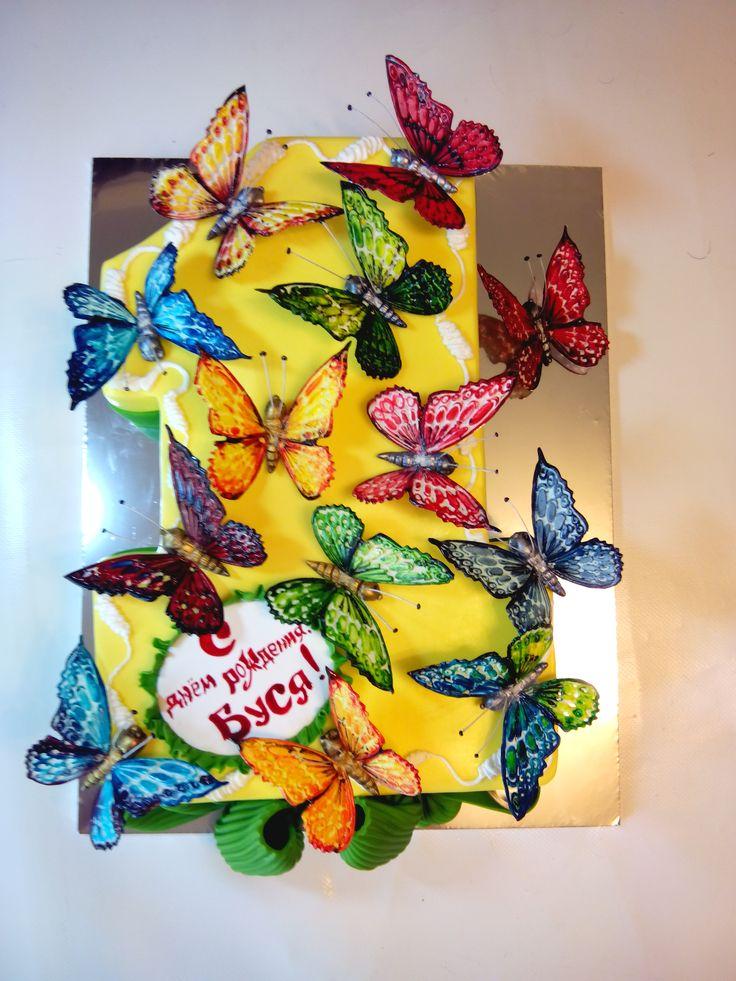 Торт единичка с бабочками