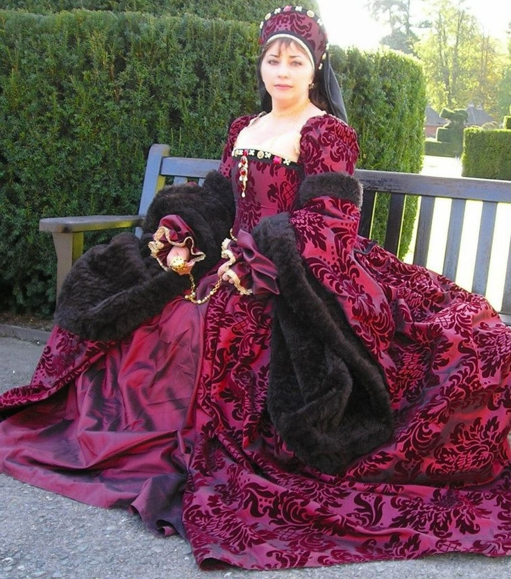 Tudor Costume - really like the colour and pattern, seen a similar material at spotlight...